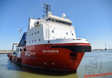Geo Ocean III komt de Eemshaven binnen