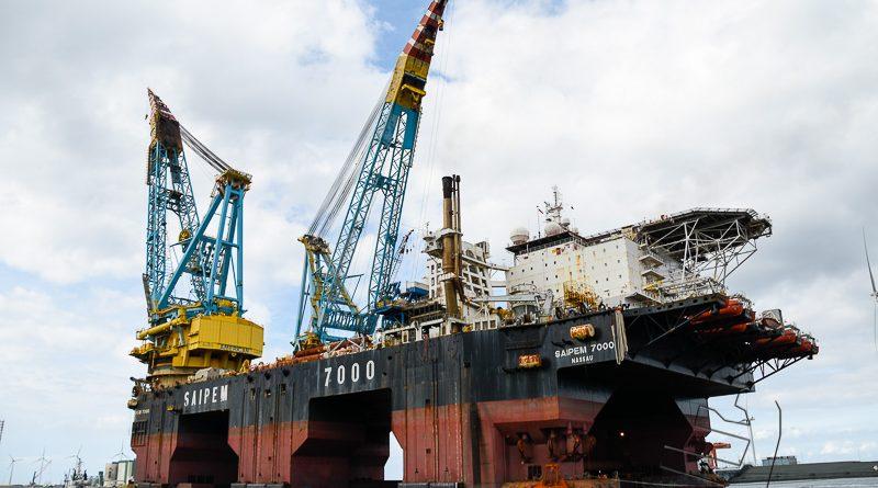 Mega kraanschip Saipem 7000 keert terug in Eemshaven