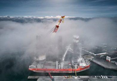 Kraan jack-up schip Pacific Osprey weer operationeel na ongeluk Eemshaven