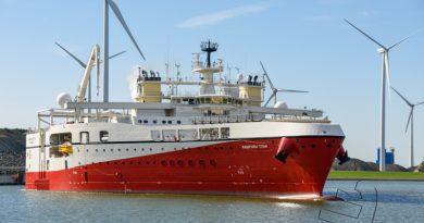 Breedste schip ter wereld met één boeg in Eemshaven