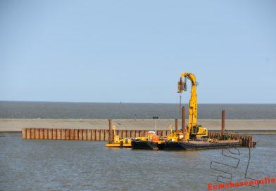 Damwanden plaatsen voor bouw windturbines op pier