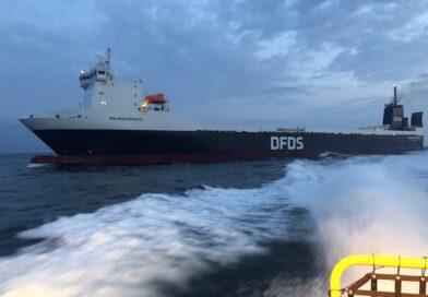 Ro-Ro schip Finlandia Seaways voor kort bezoek in Eemshaven